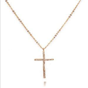 Fashion rose gold cross pendant necklace